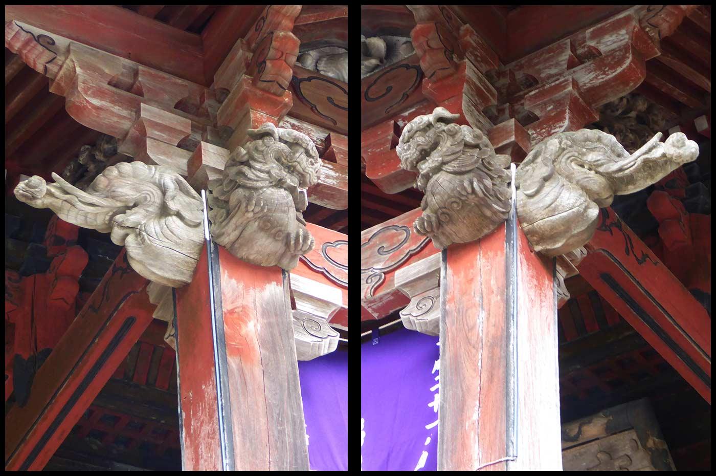 本堂向拝の木鼻の彫刻