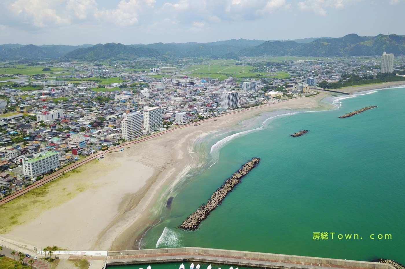 前原横渚海水浴場をドローンで空撮