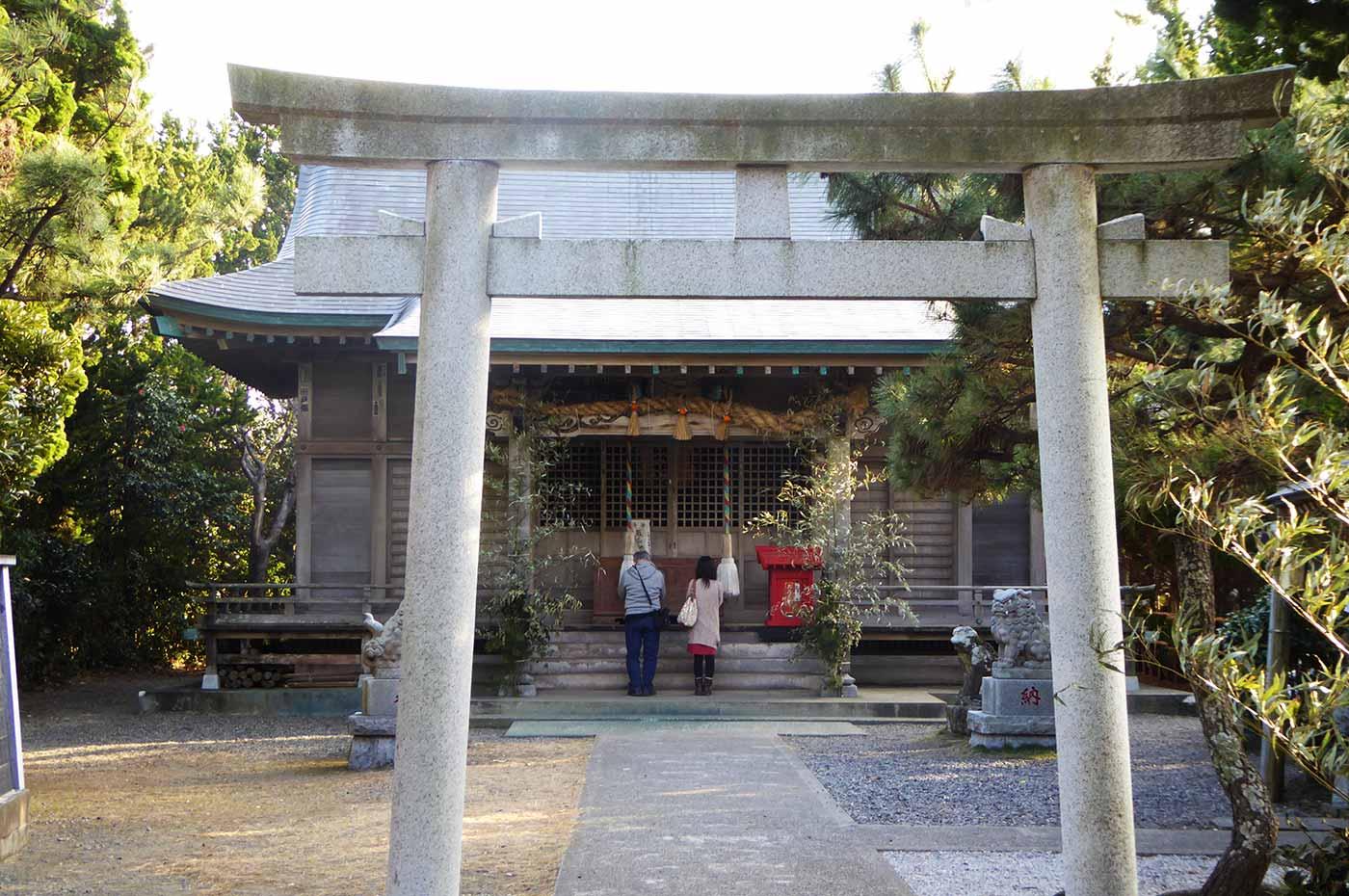 野島崎の厳島神社境内の画像