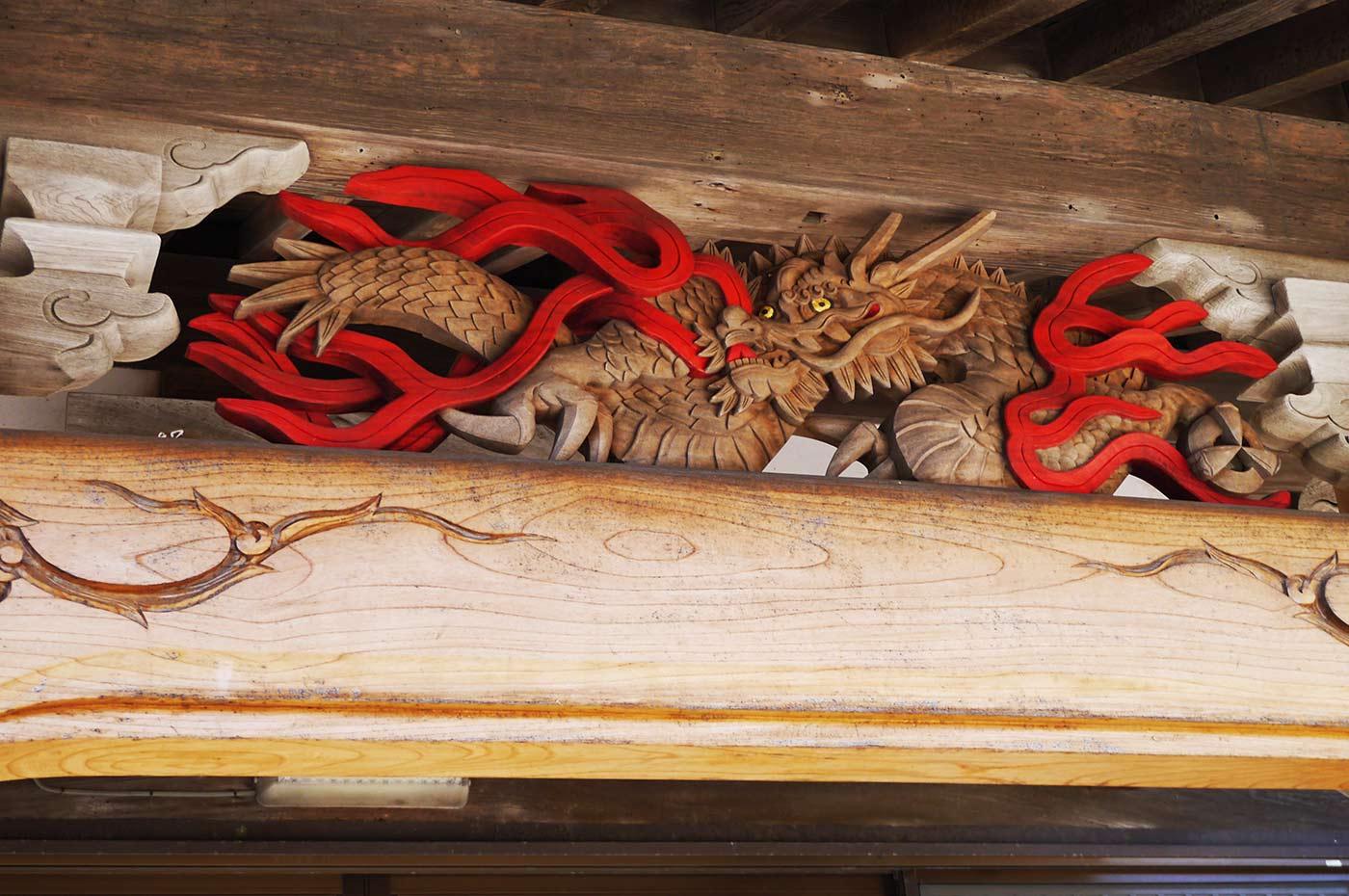 蓮寿院の龍の彫り物