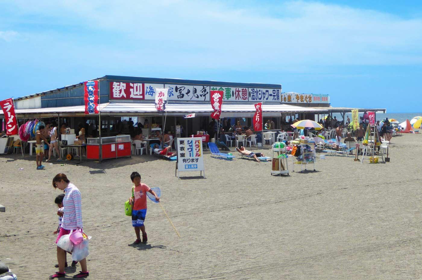 沖ノ島の海の家