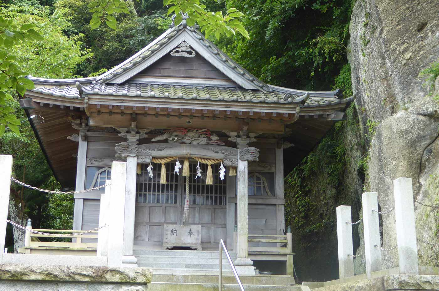 諏訪神社の拝殿の画像