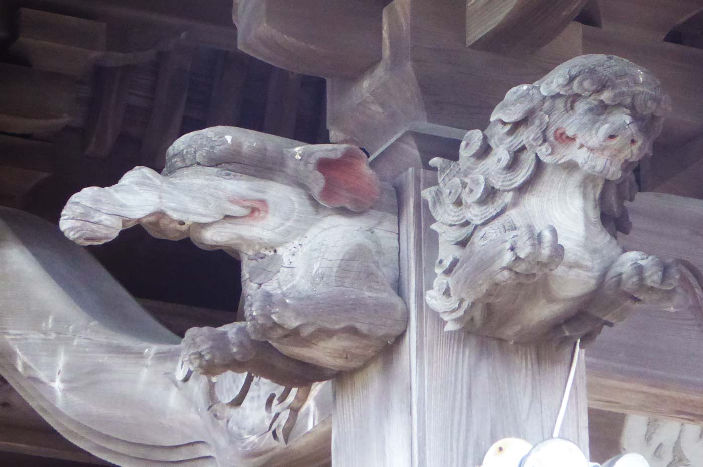 金乗院 初代武志伊八郎信由の獅子の彫刻