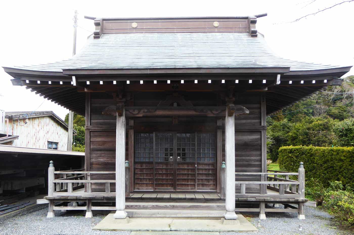 竜岡神社の拝殿の画像