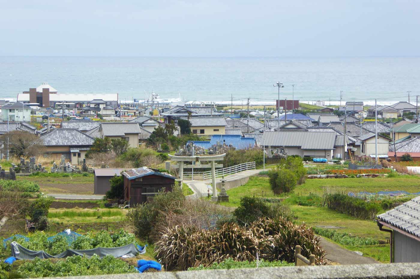 高皇産霊神社の境内からの眺め