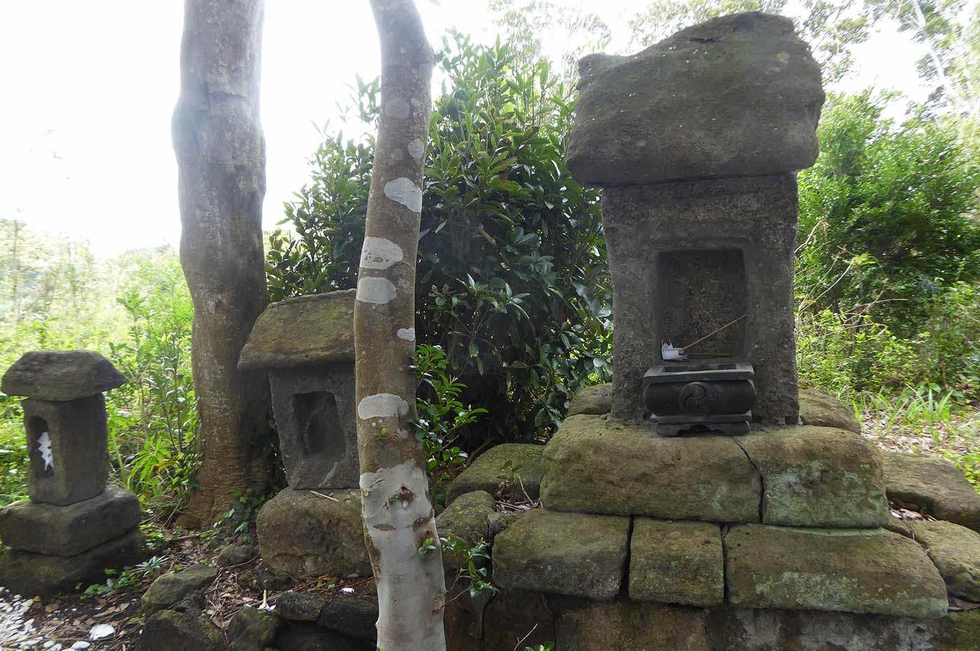 瀧淵神社の石祠