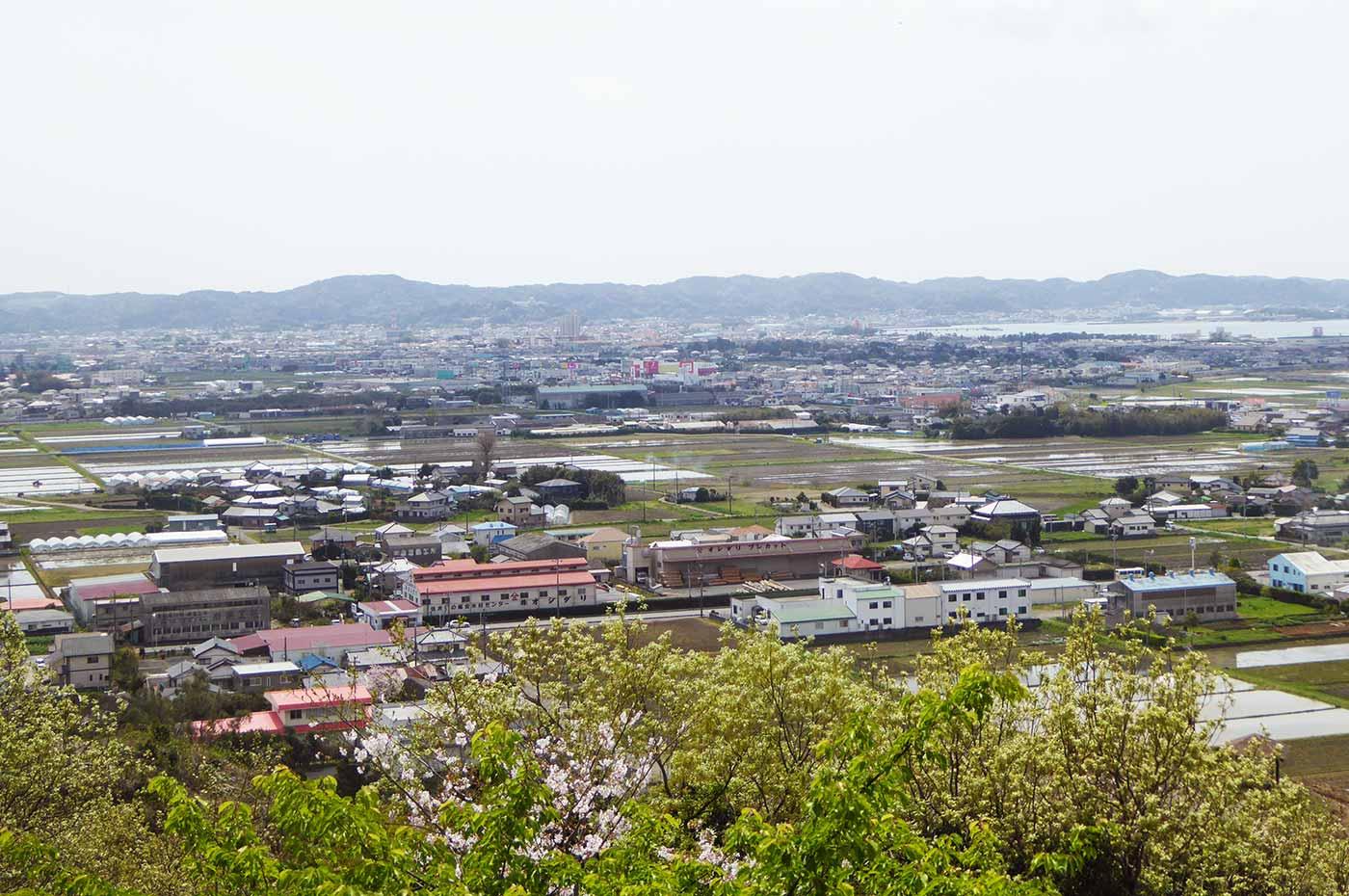 諏訪山から見た館山市内の風景