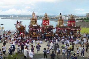 館山の祭り 夕日桟橋前