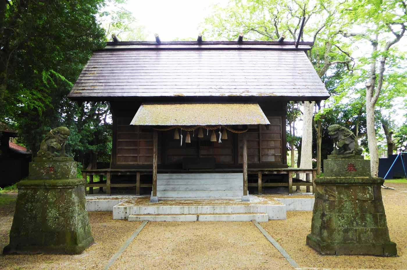 新明神社の拝殿