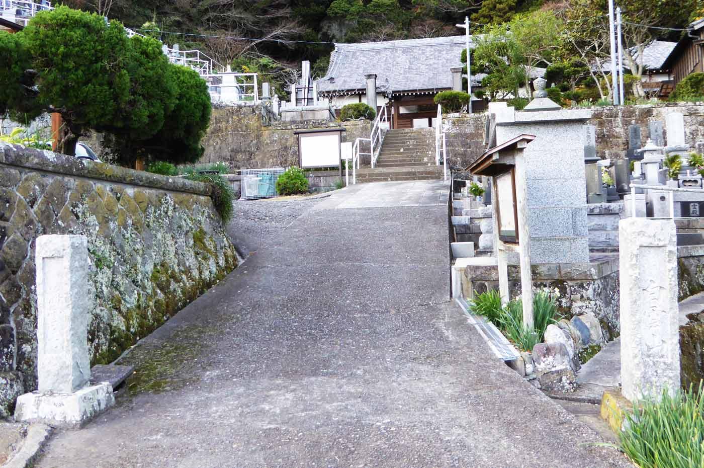 海雲寺の全景