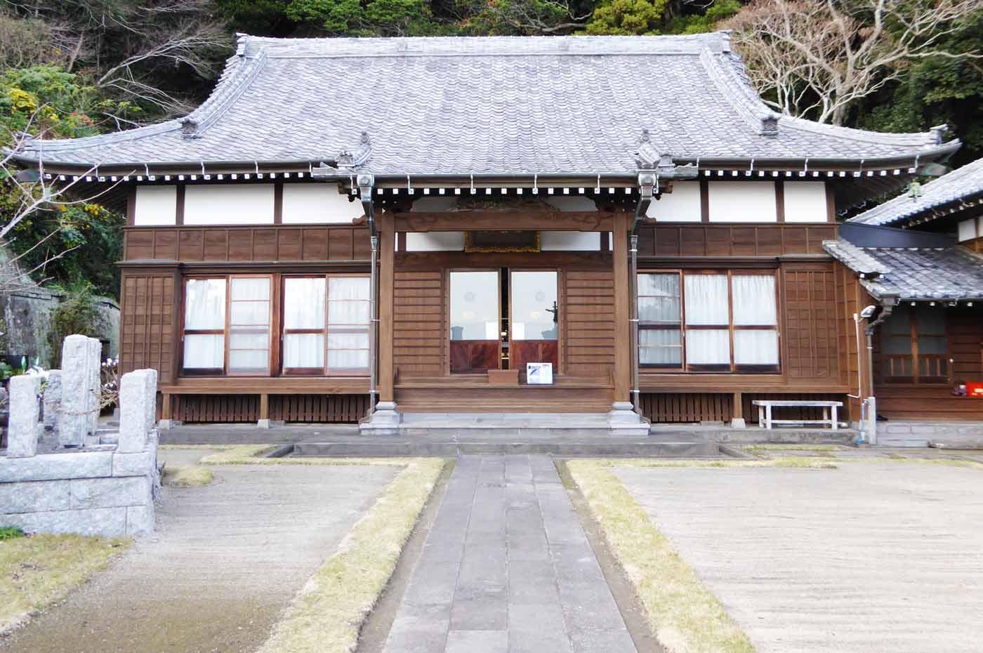海雲寺の本堂