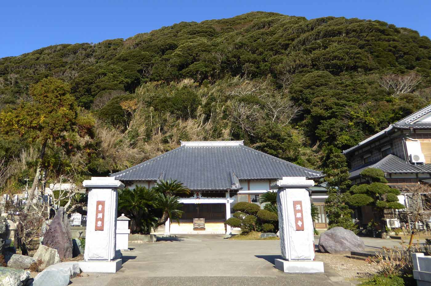 満願寺の本堂の画像