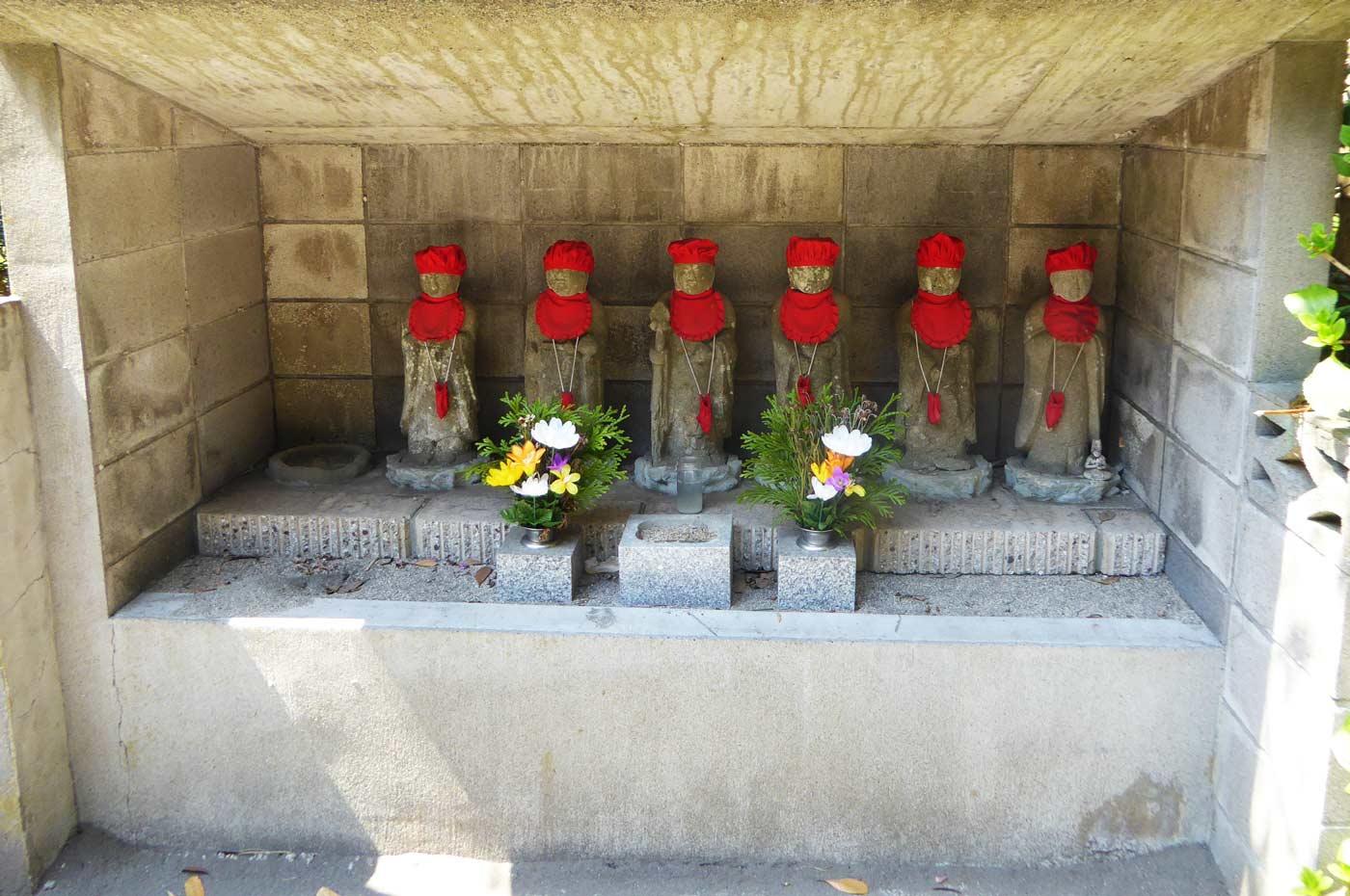 藤栄寺の六地蔵の画像