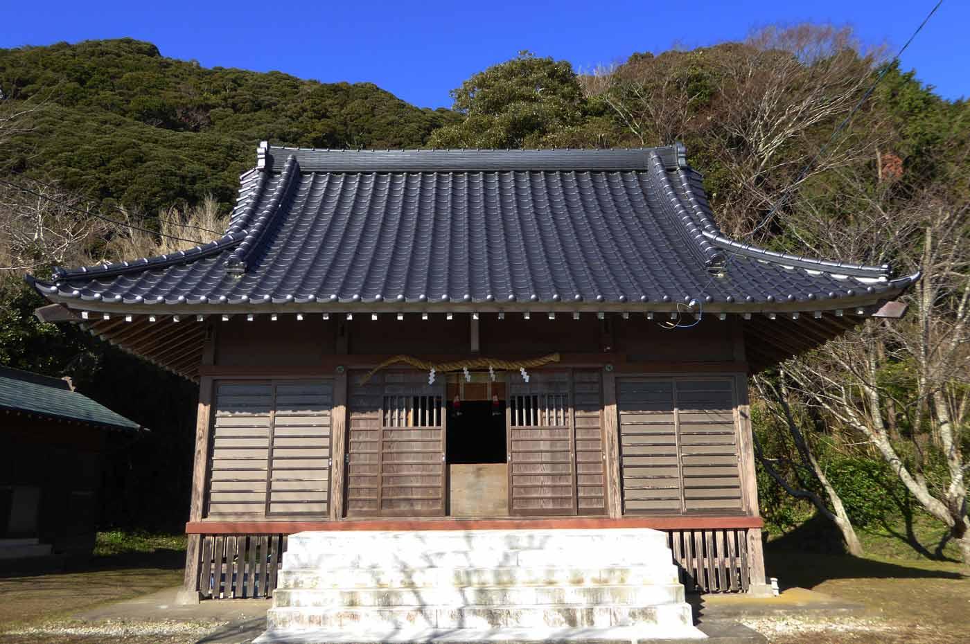 青根原神社拝殿の画像