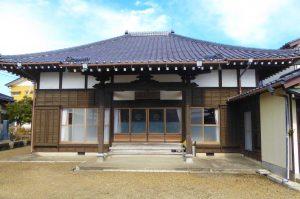長香寺の本堂