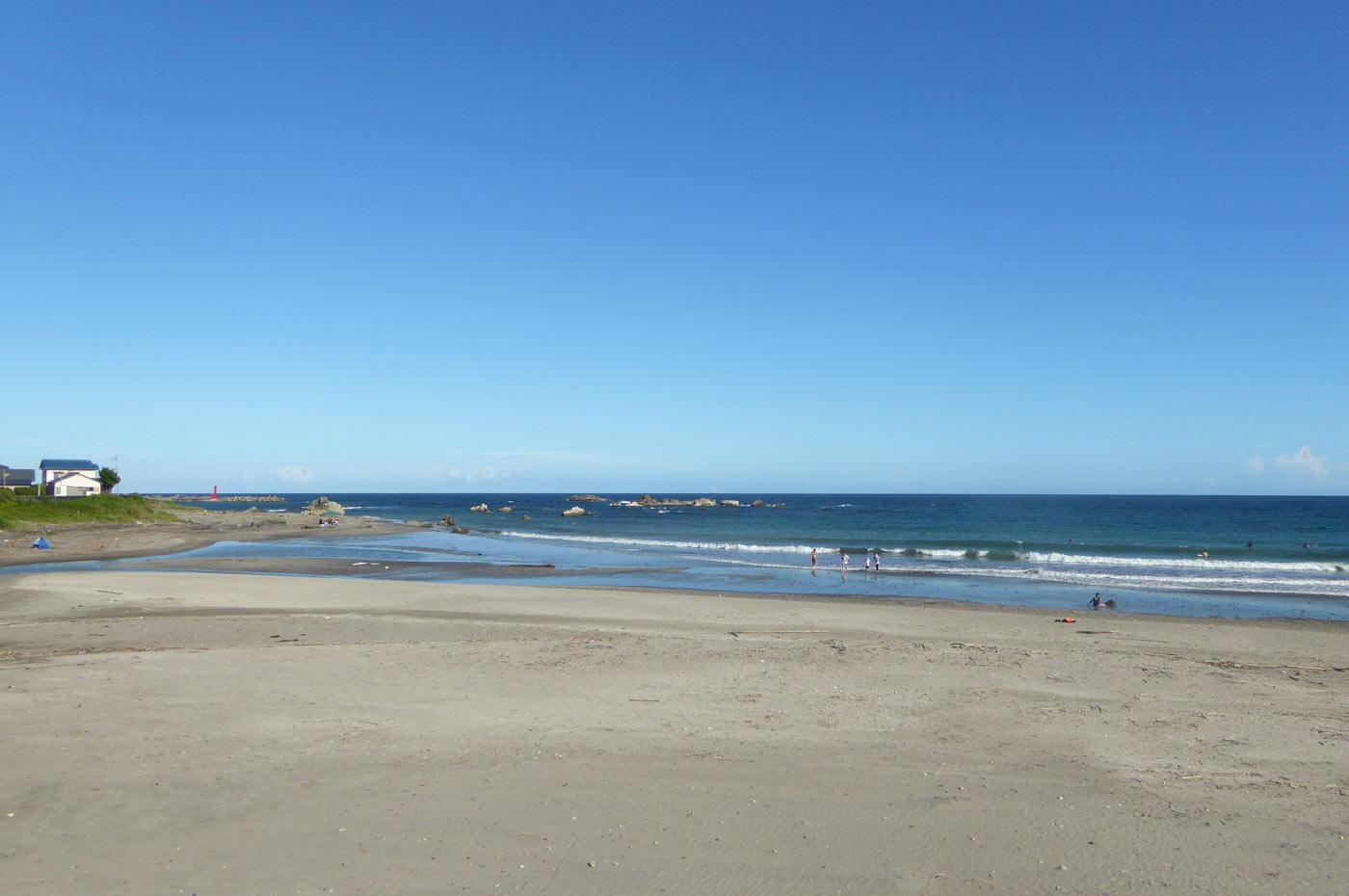 江見海水浴場右側の砂浜