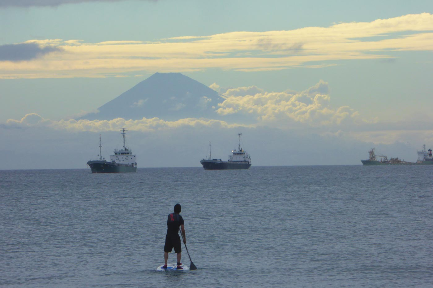 北条海岸の富士山をバックにスタボ