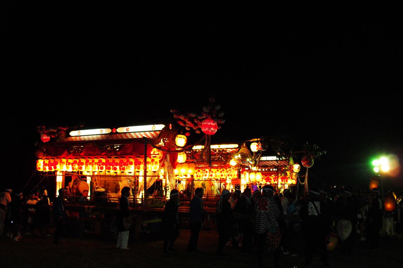 平群天神社前の屋台