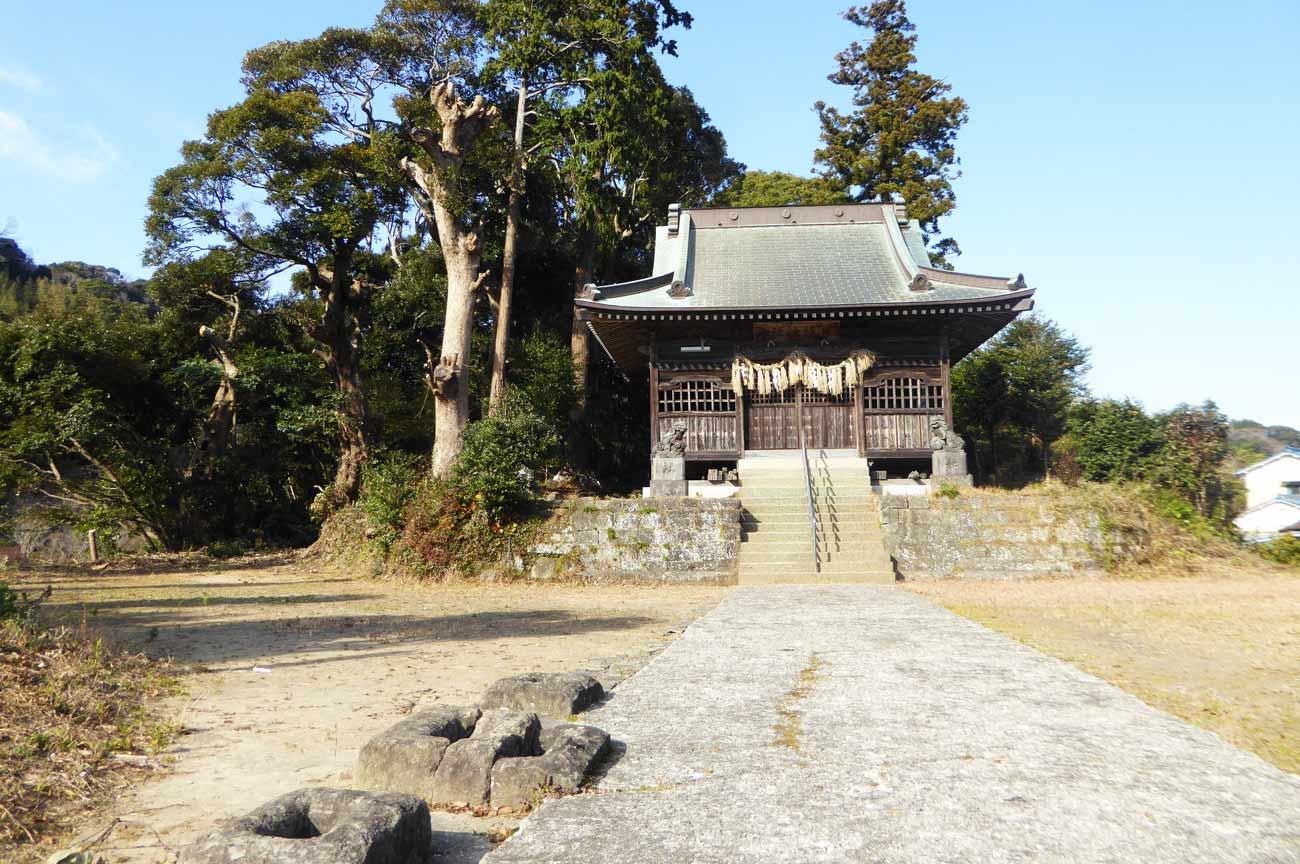 日枝神社の拝殿と境内の画像
