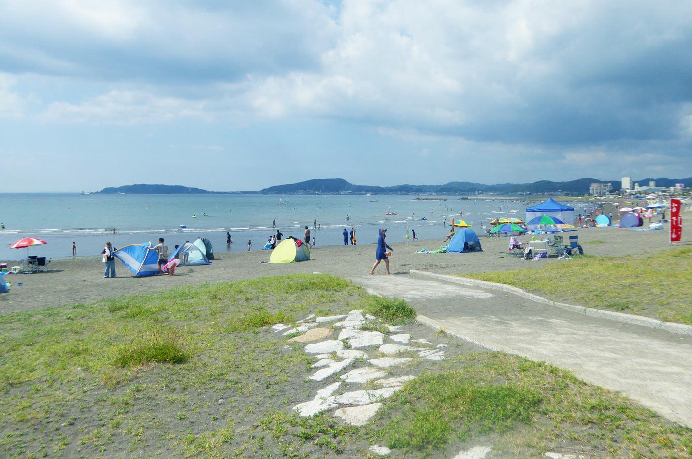 北条海岸の海水浴客