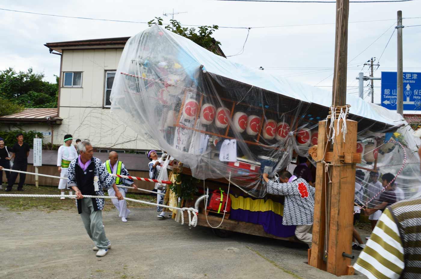 本郷上の屋台が入祭