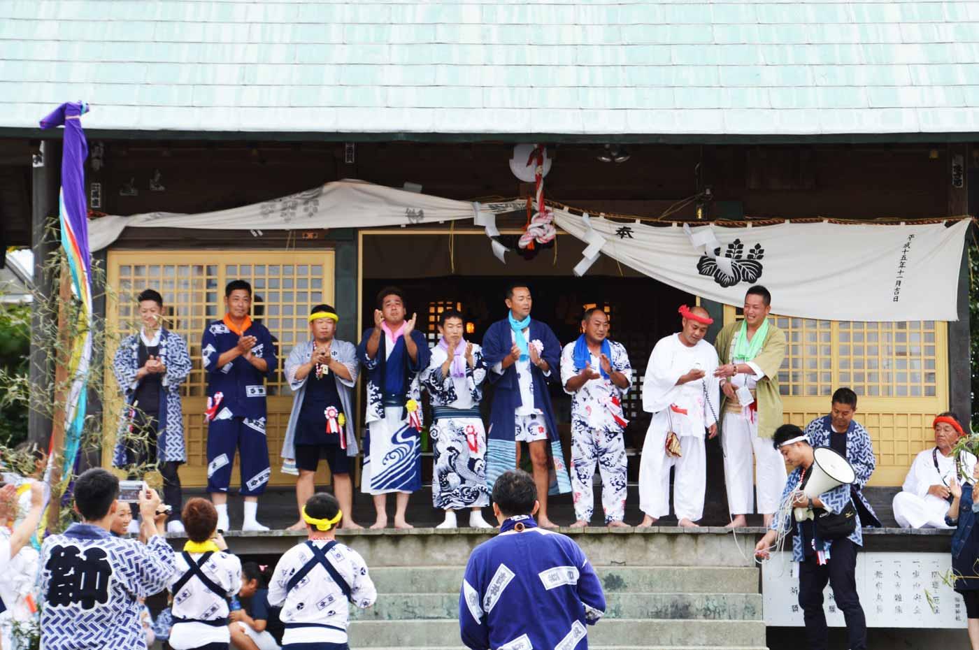 保田神社に屋台、神輿が集結