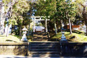 犬石神社の全景