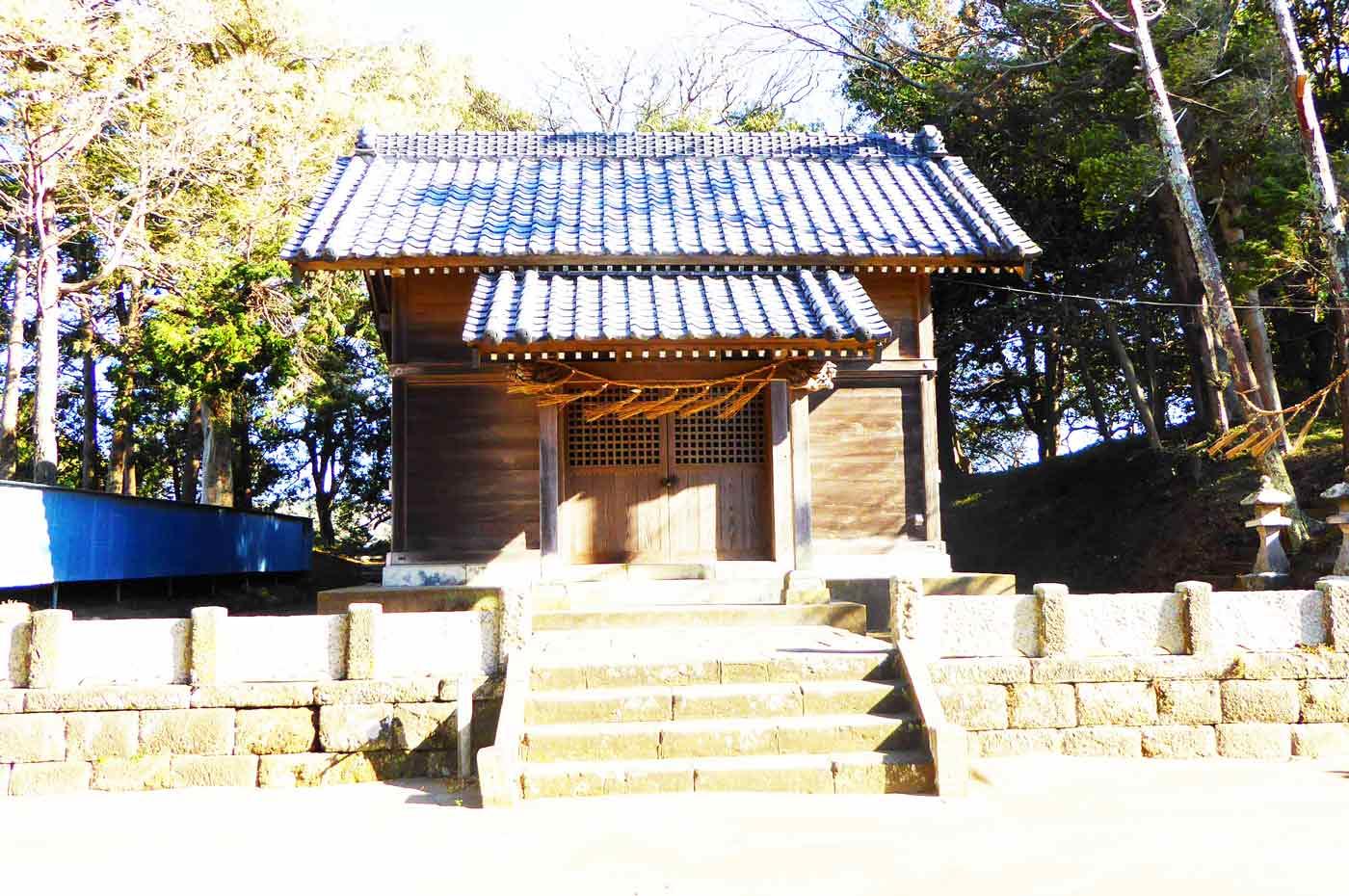 犬石神社の拝殿