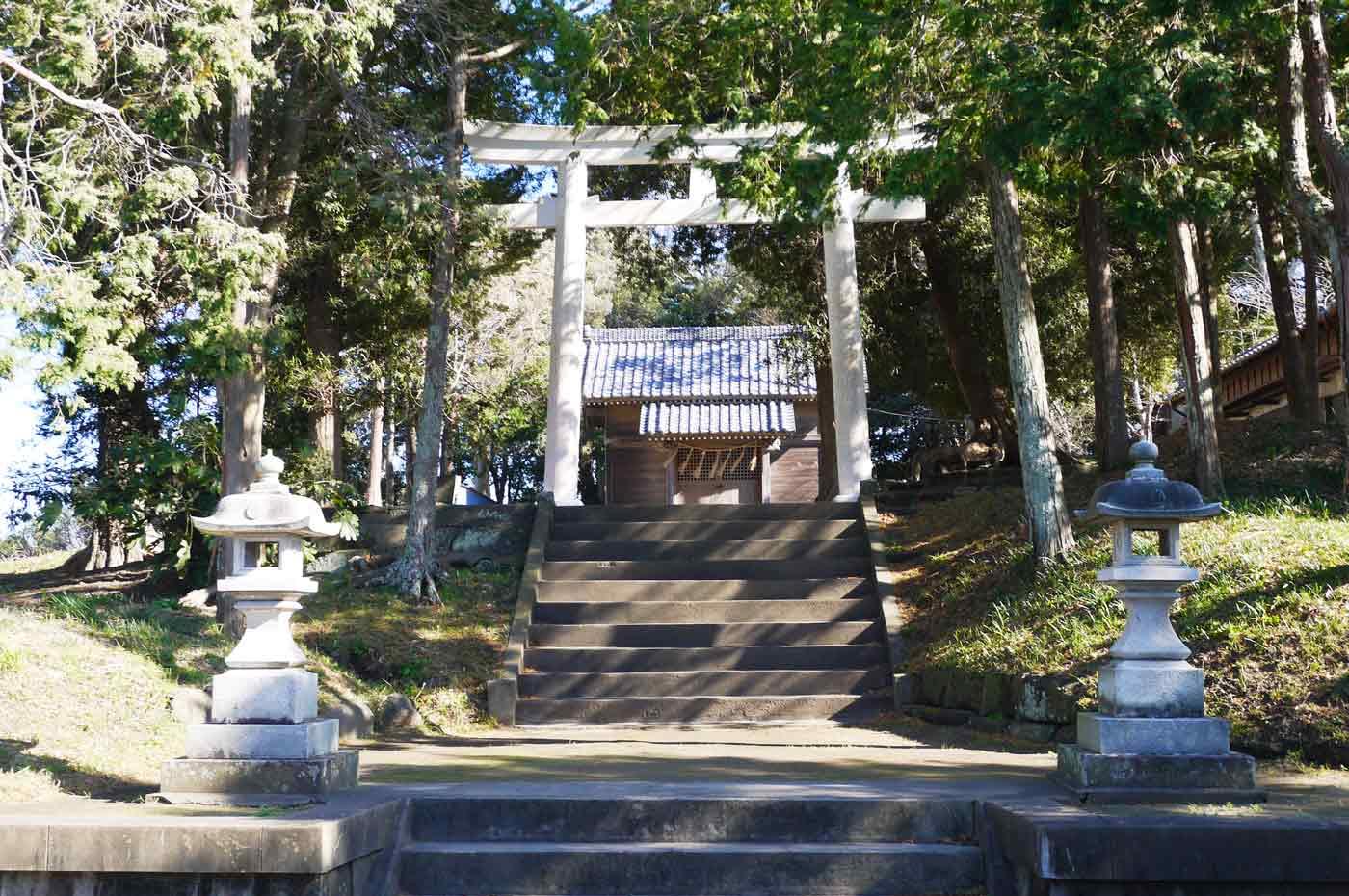 犬石神社の鳥居