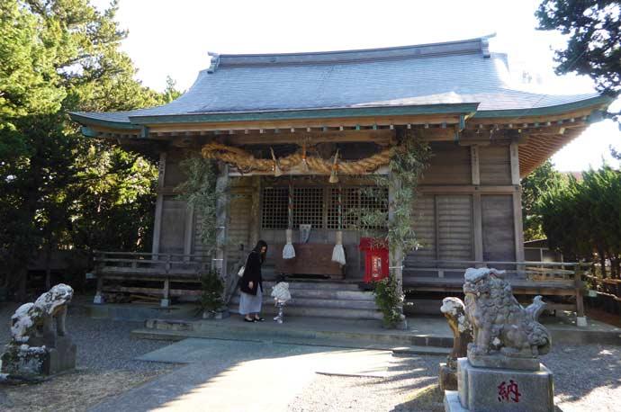 厳島神社拝殿の写真