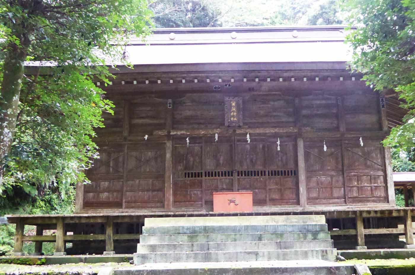 賀茂神社の拝殿