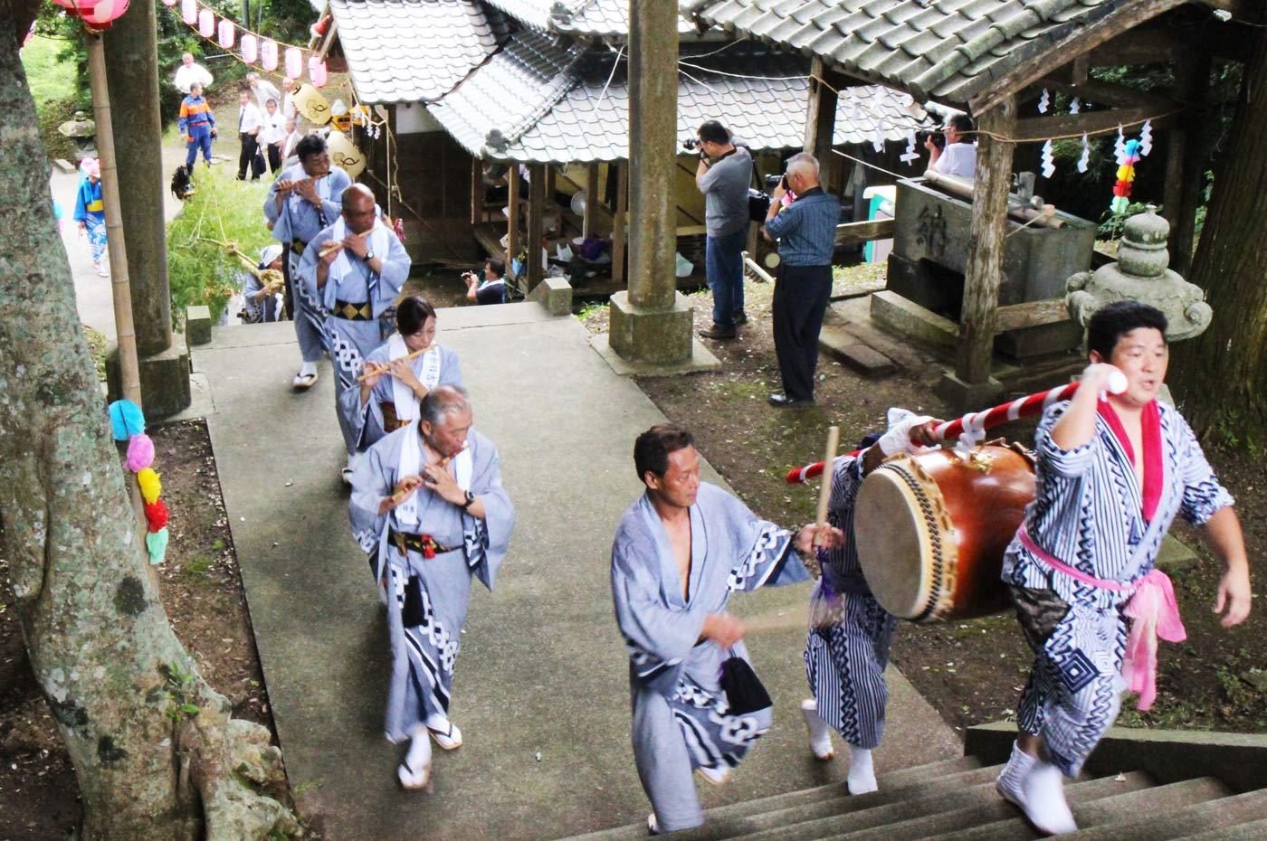 日吉神社のかっこ舞い