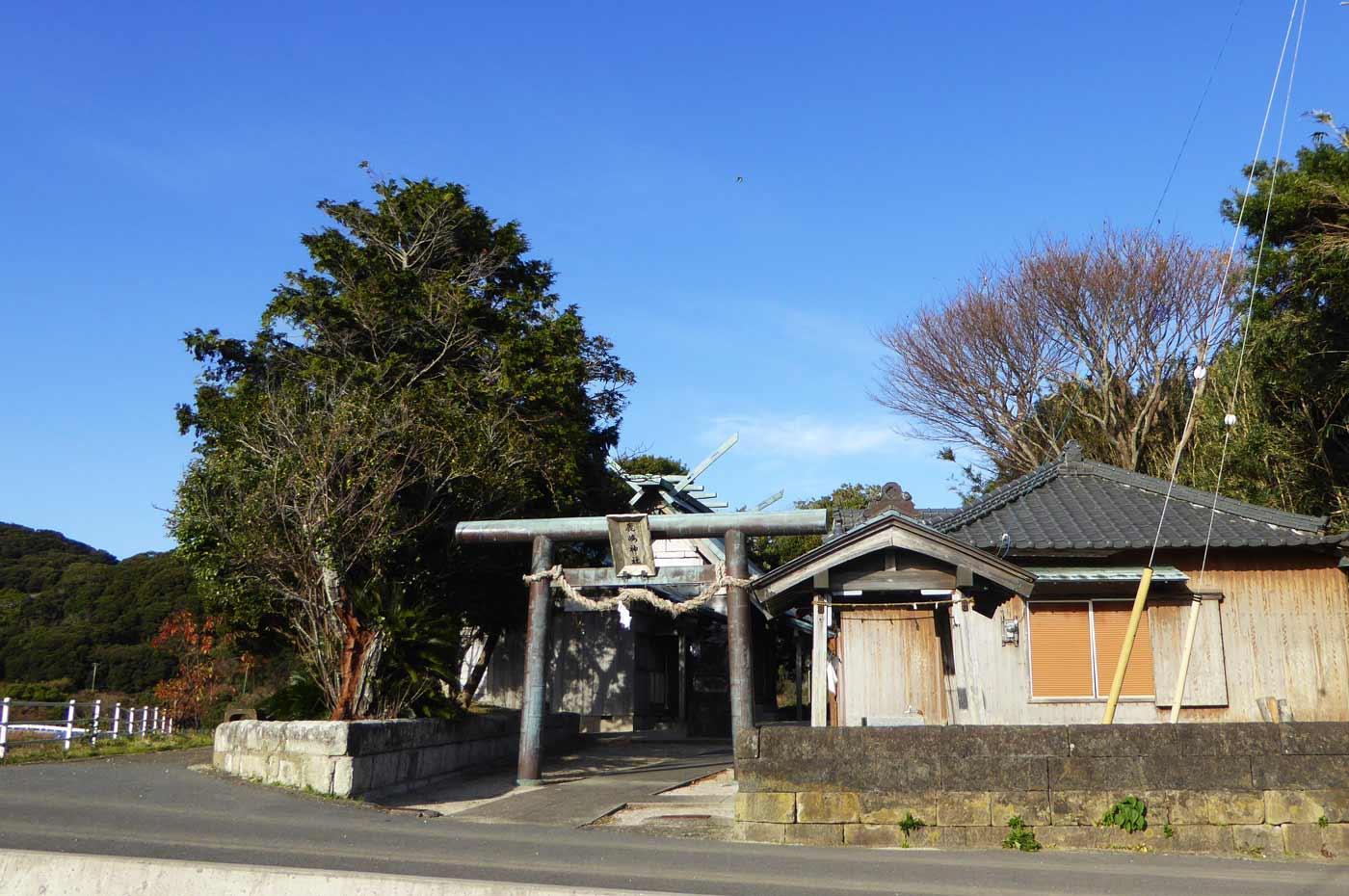 鹿嶋神社の全景