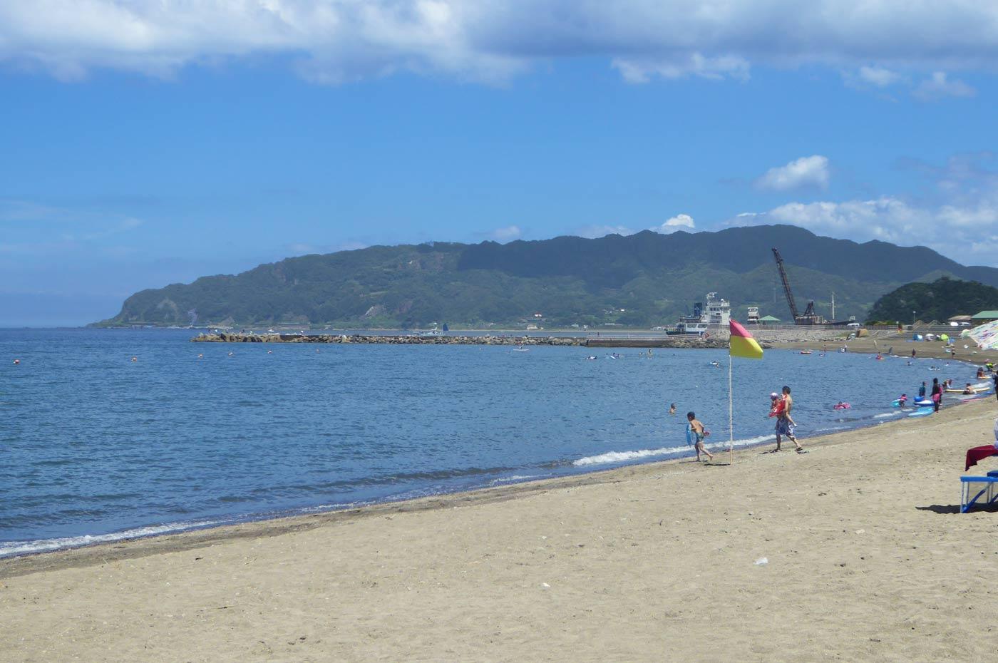 勝山海水浴場右側の風景2