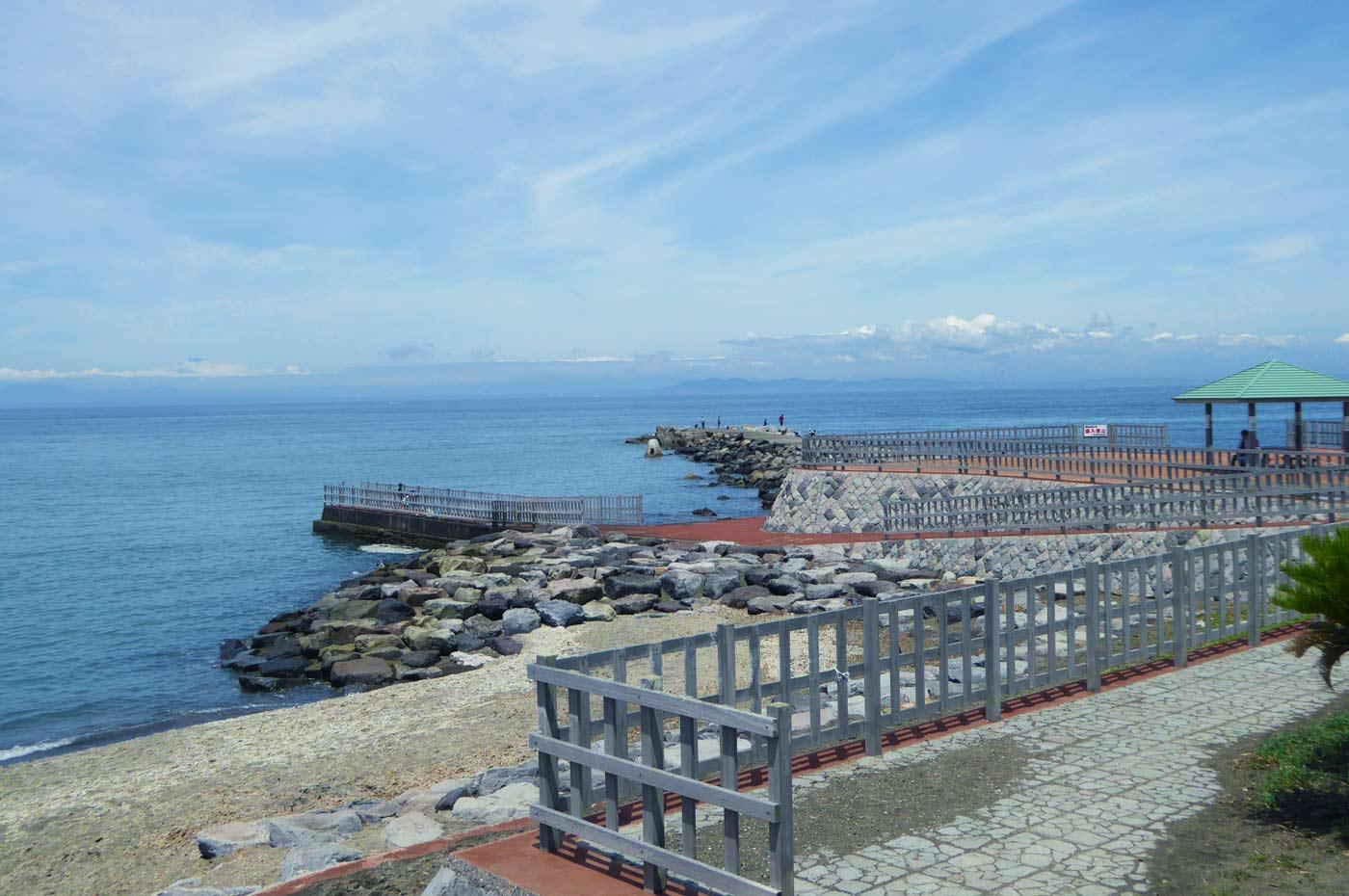 勝山海水浴場の竜ヶ崎堤防
