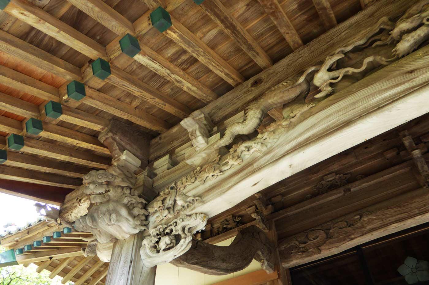 後藤利兵衛橘義光の龍の彫刻 左