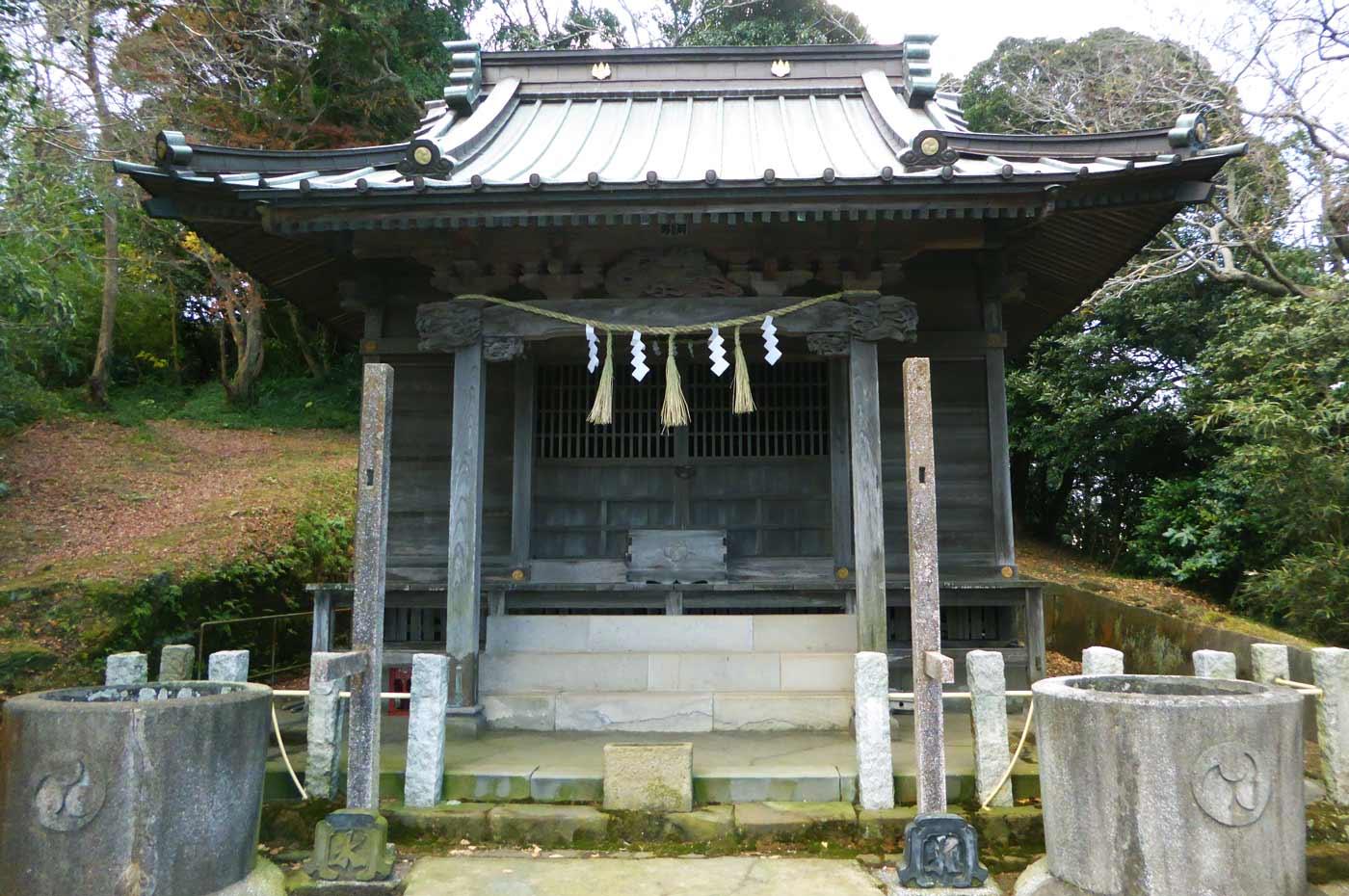 国司神社の拝殿の画像