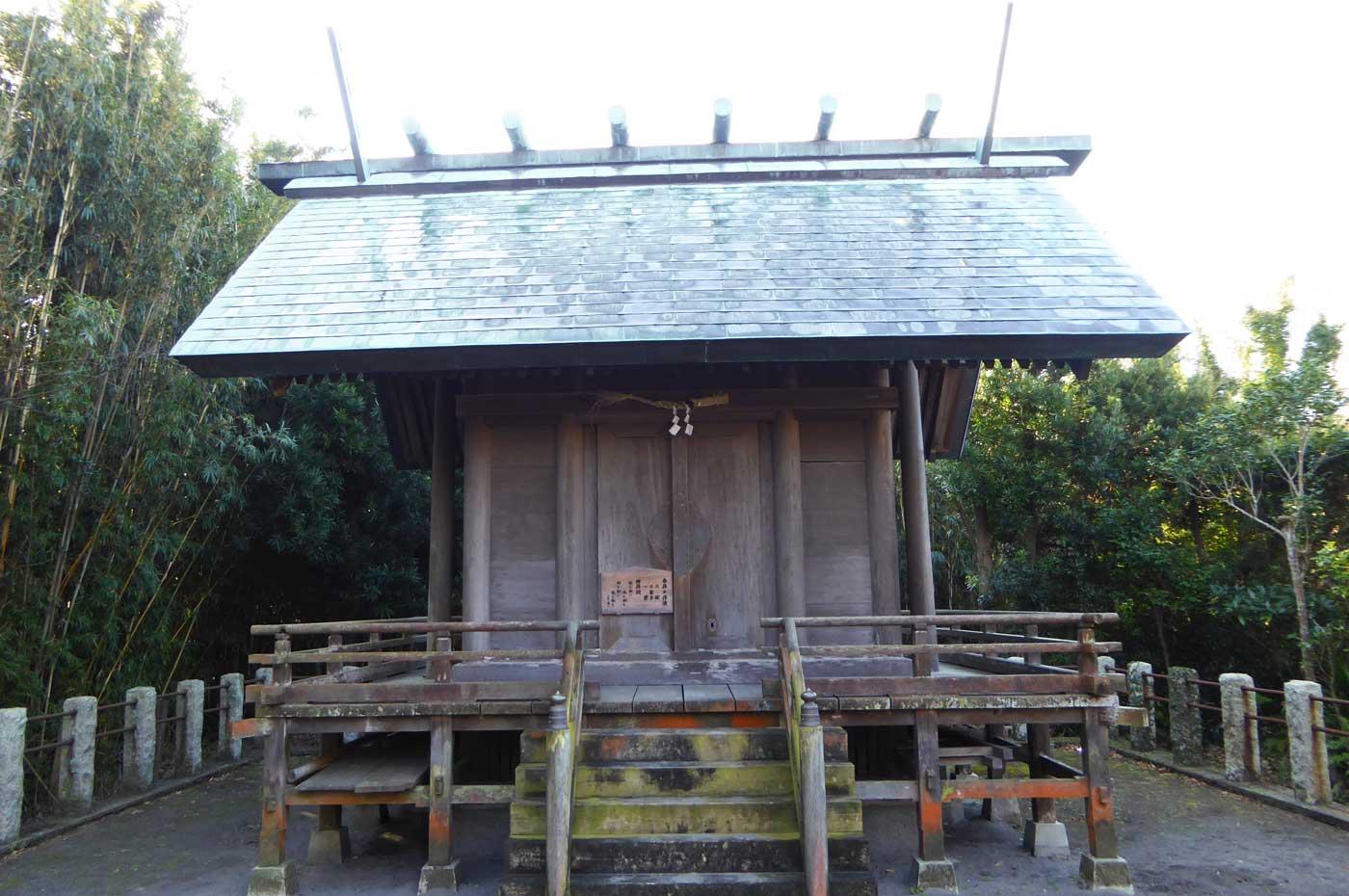 琴平神社の拝殿