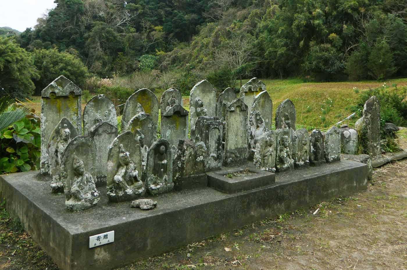 金剛寺の古いお墓