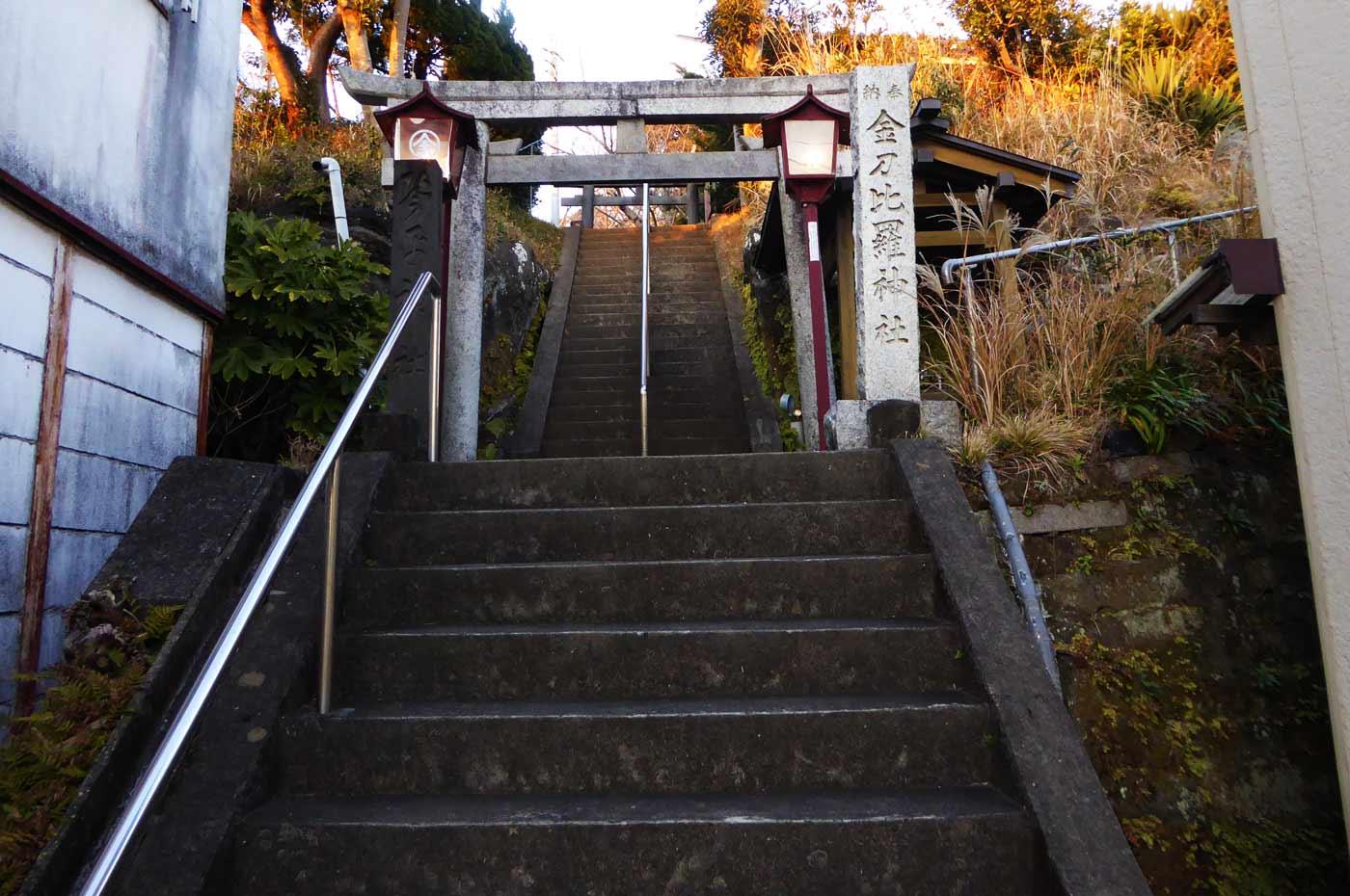 拝殿までの階段