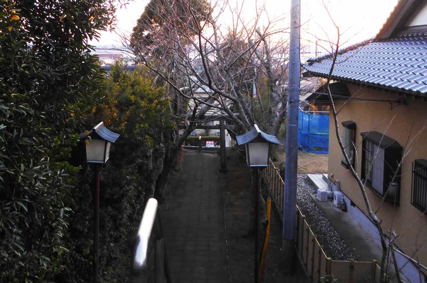 金刀比羅神社から鏡ケ浦を望む