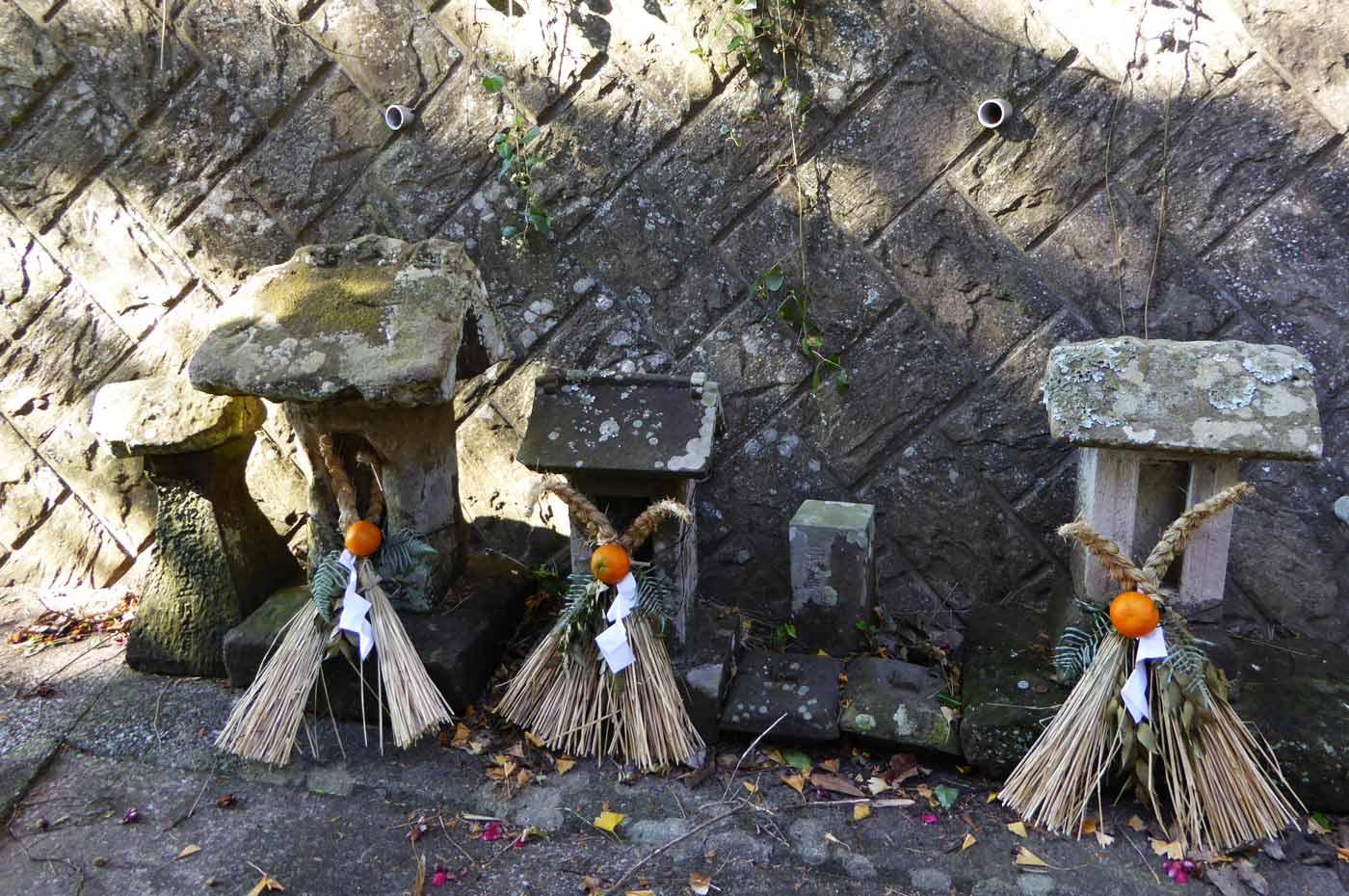 熊野神社の石祠