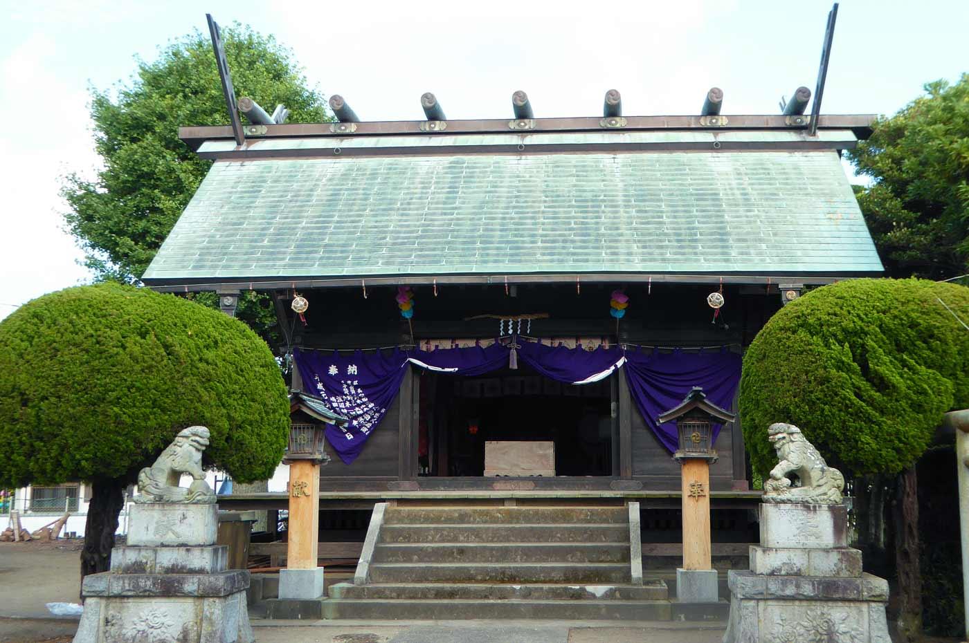 熊野神社の境内