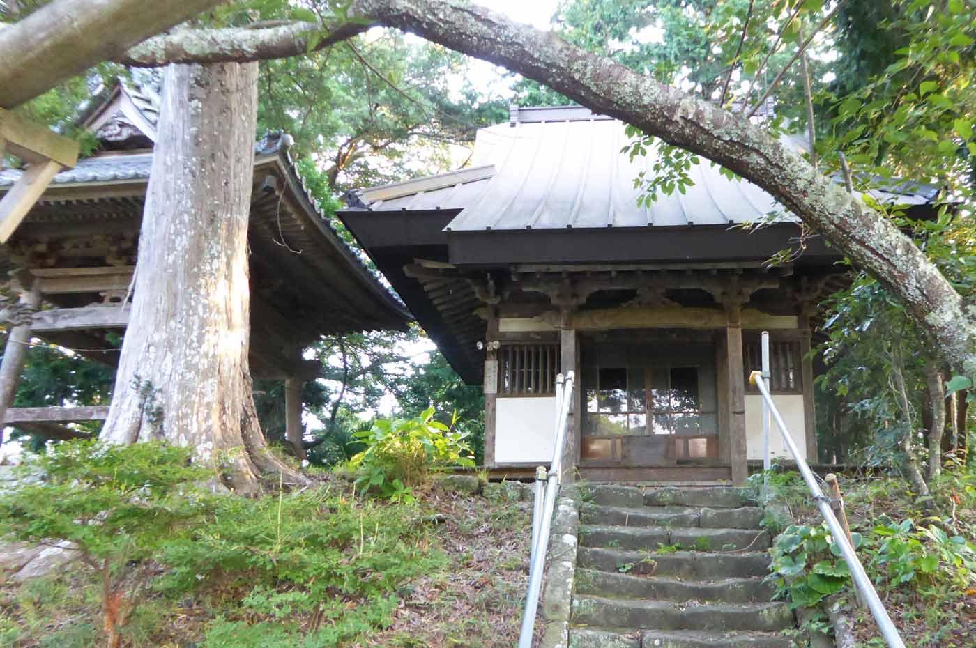 鏡忍寺の三十番神堂