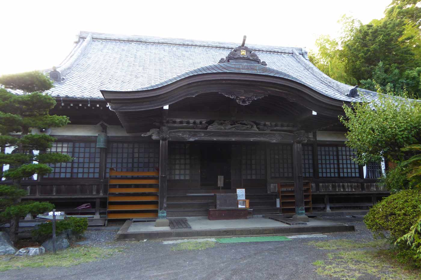 鏡忍寺の仏殿(本堂)