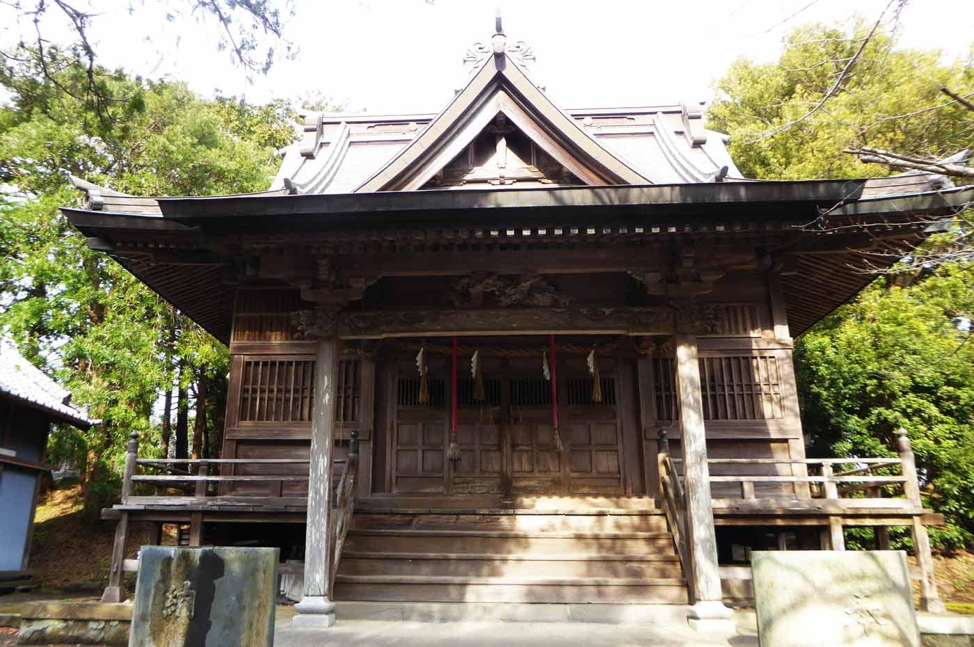 三嶋神社の拝殿