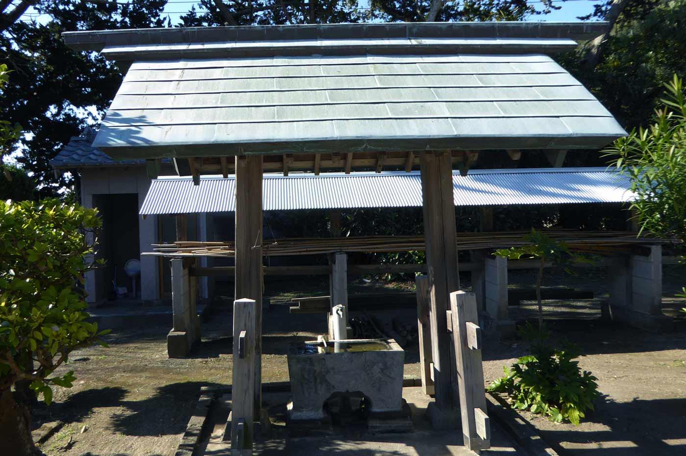 三嶋神社の手水舎の画像