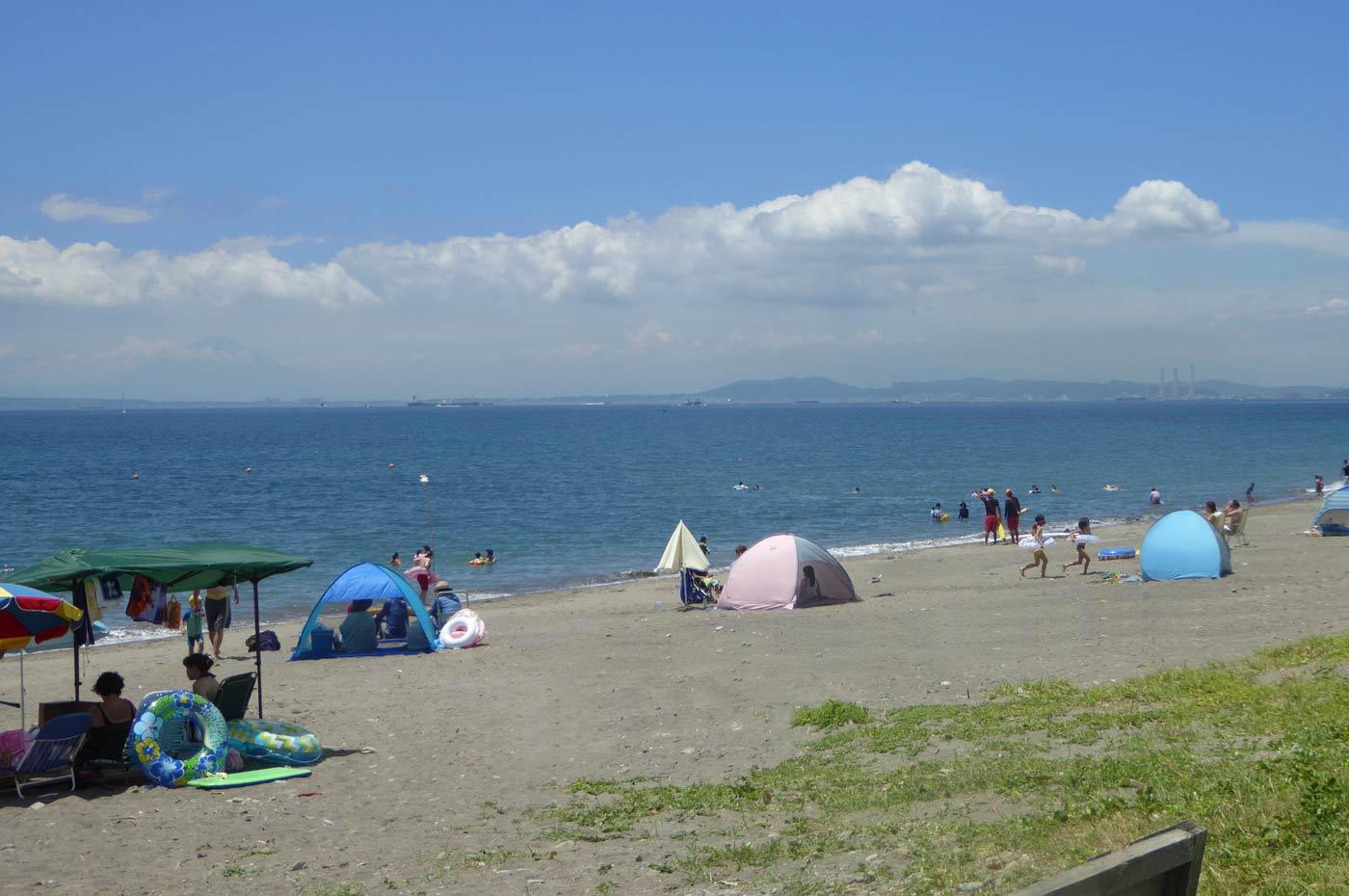 元名海水浴場から見た富士山の画像