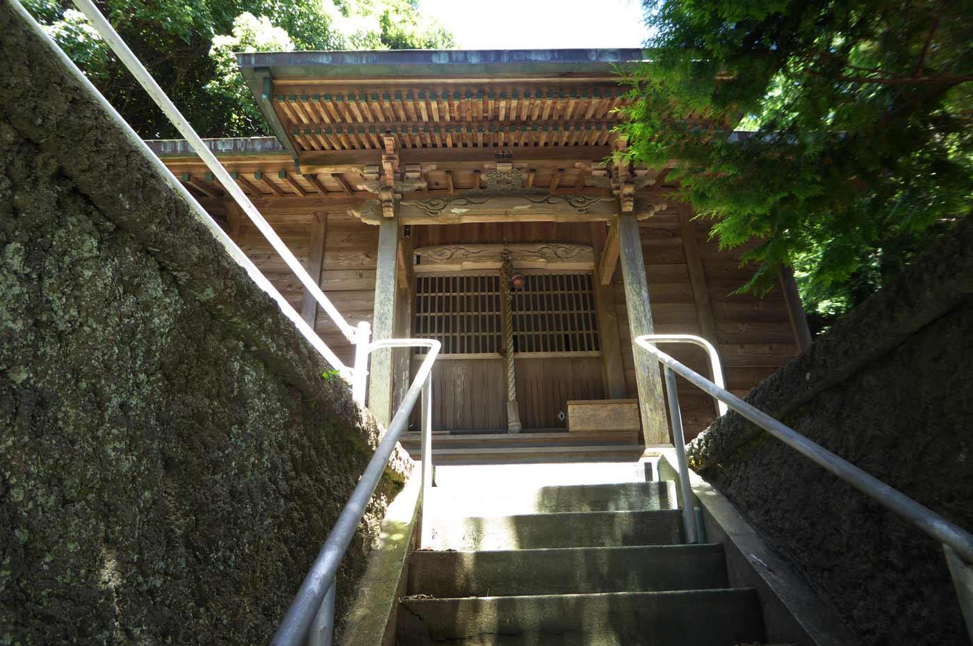 真浦神社の本殿