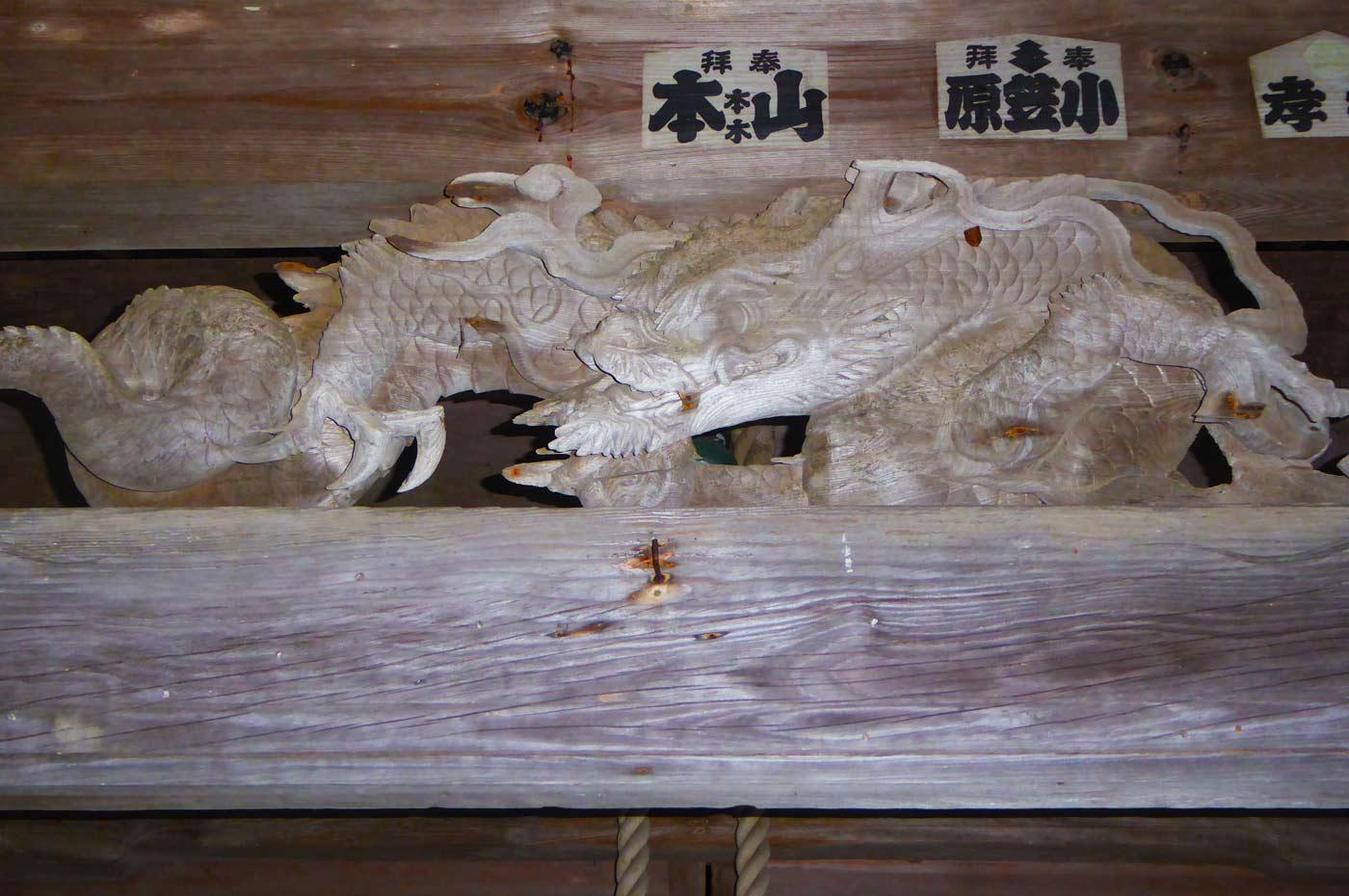 長尾神社の龍の彫り物